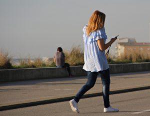 Pour prévenir les douleurs lombaires, évitez de porter les hauts talons